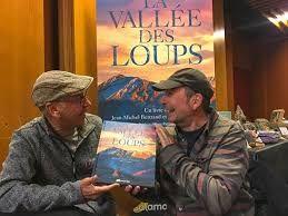 """Résultat de recherche d'images pour """"vallée des loups"""""""