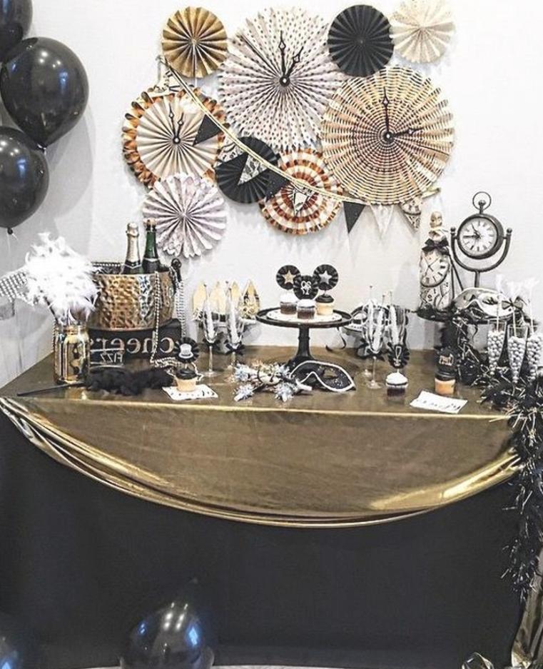 50 Simple DIY New Years Eve Party Decor Ideas #diy # ...