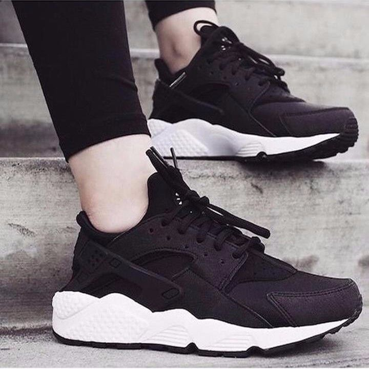 nike huaraches black friday