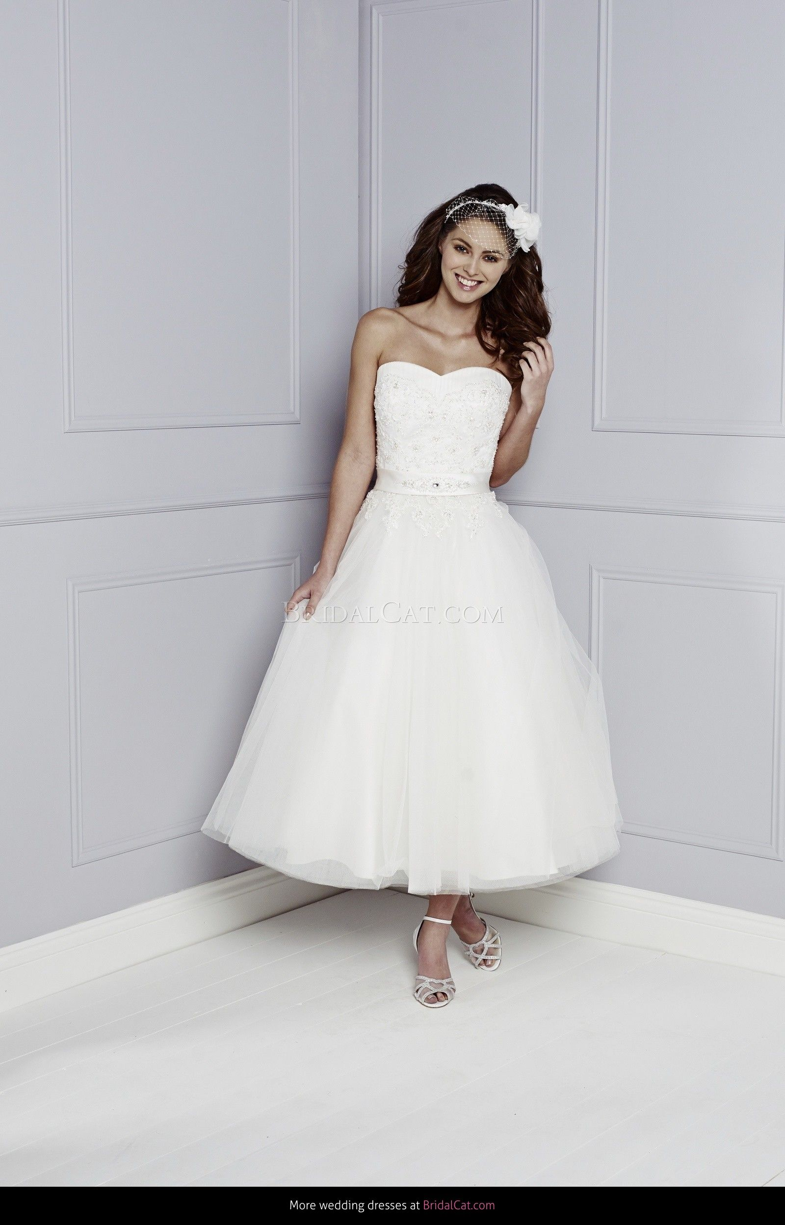 Vintage wedding tea dress  Bargain Price Vintage Style Tea Length Wedding Dress for sale ONLY