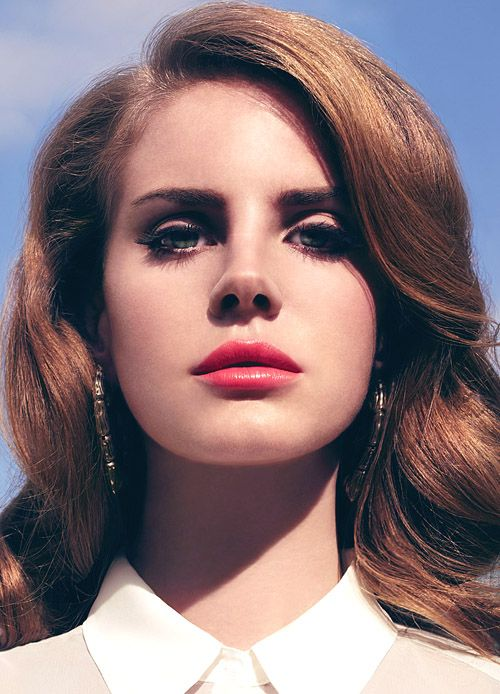 Lana del Rey, absolutely obsessed with her and her music.