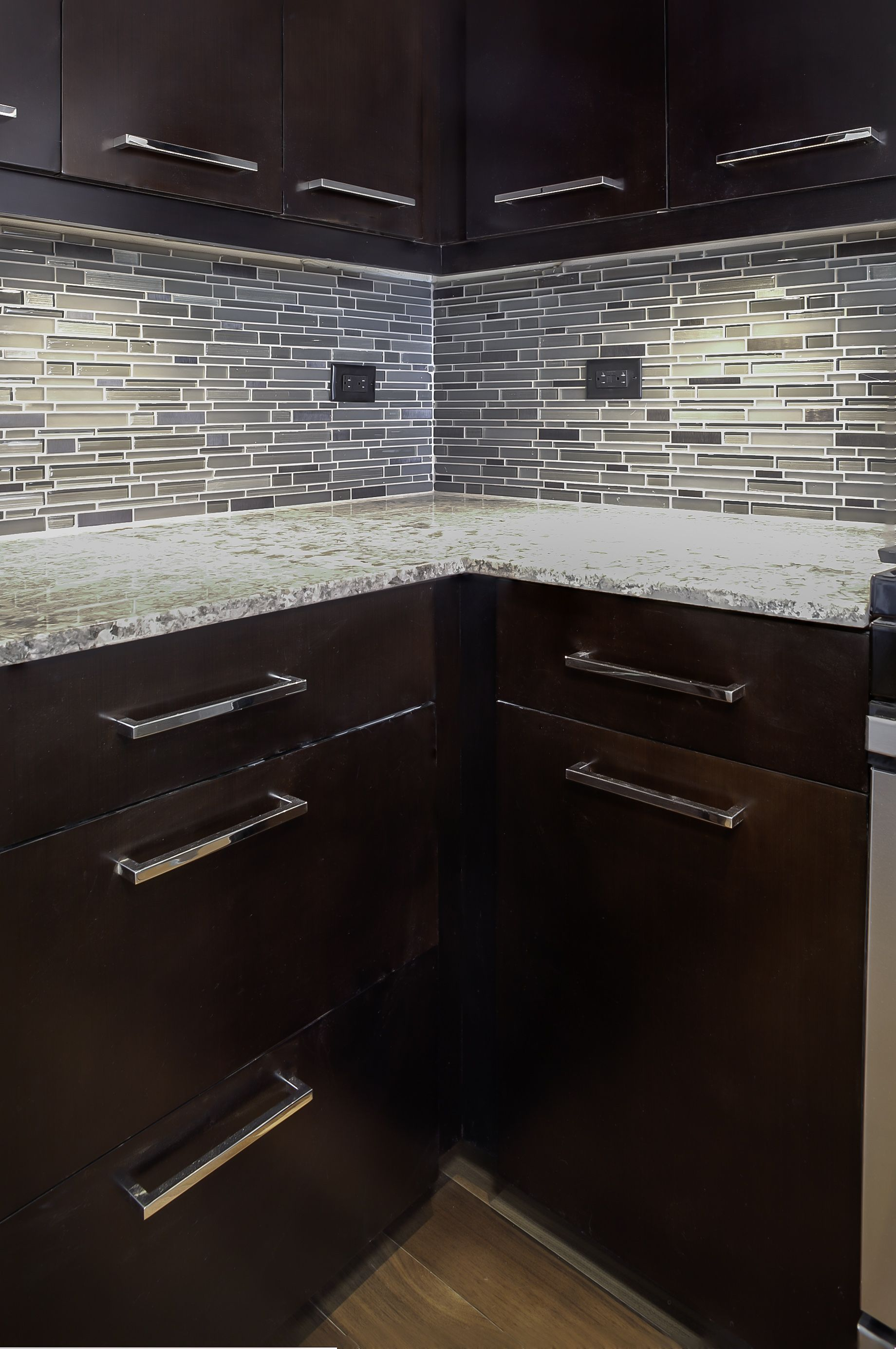Mosaicmonday Features An Awesome Installation Of Our Flash Mosaic In Bright Monday Kitchen Install Tile Emser Design Diy
