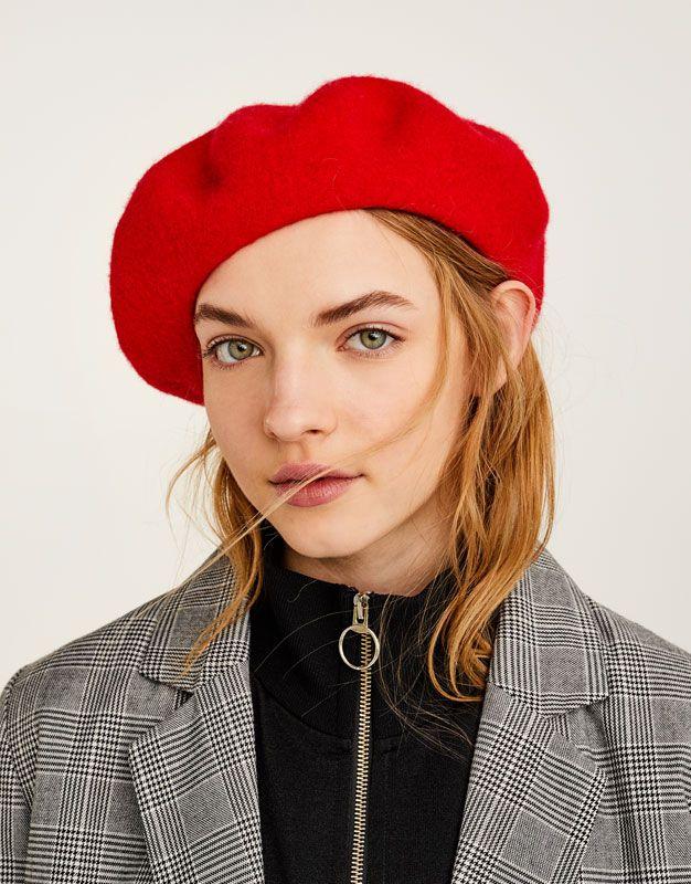 pull bear femme accessoires bonnets et chapeaux. Black Bedroom Furniture Sets. Home Design Ideas