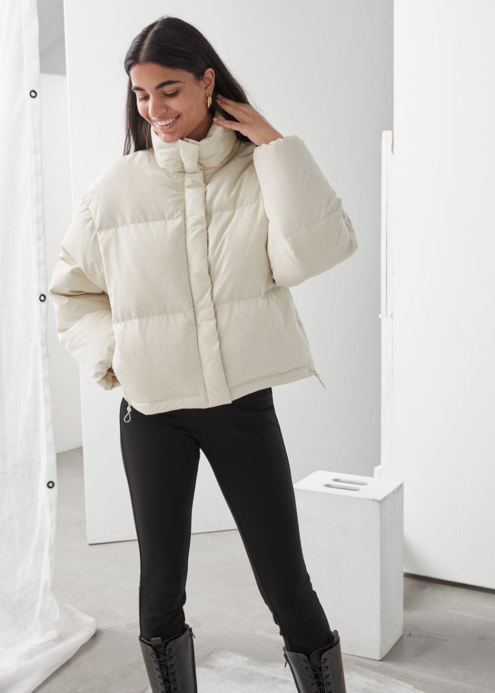 Short Oversized Puffer Jacket White Puffer Jacket Outfit Oversized Puffer Puffer Jacket Outfit [ 1400 x 1000 Pixel ]