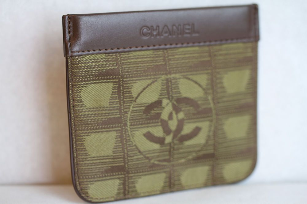 fc6dda2b9637 Auth CHANEL New Travel Line Wallet Coin Purse Khaki Nylon Vintage  CHANEL   CoinPurse
