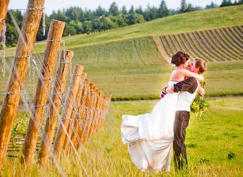 Oregon Willamette Valley Weddings...if you're planning on having a Vineyard wedding this is a good site to have