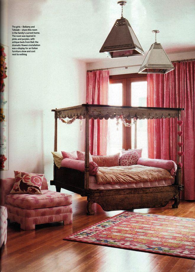 girls bedroom(janela)