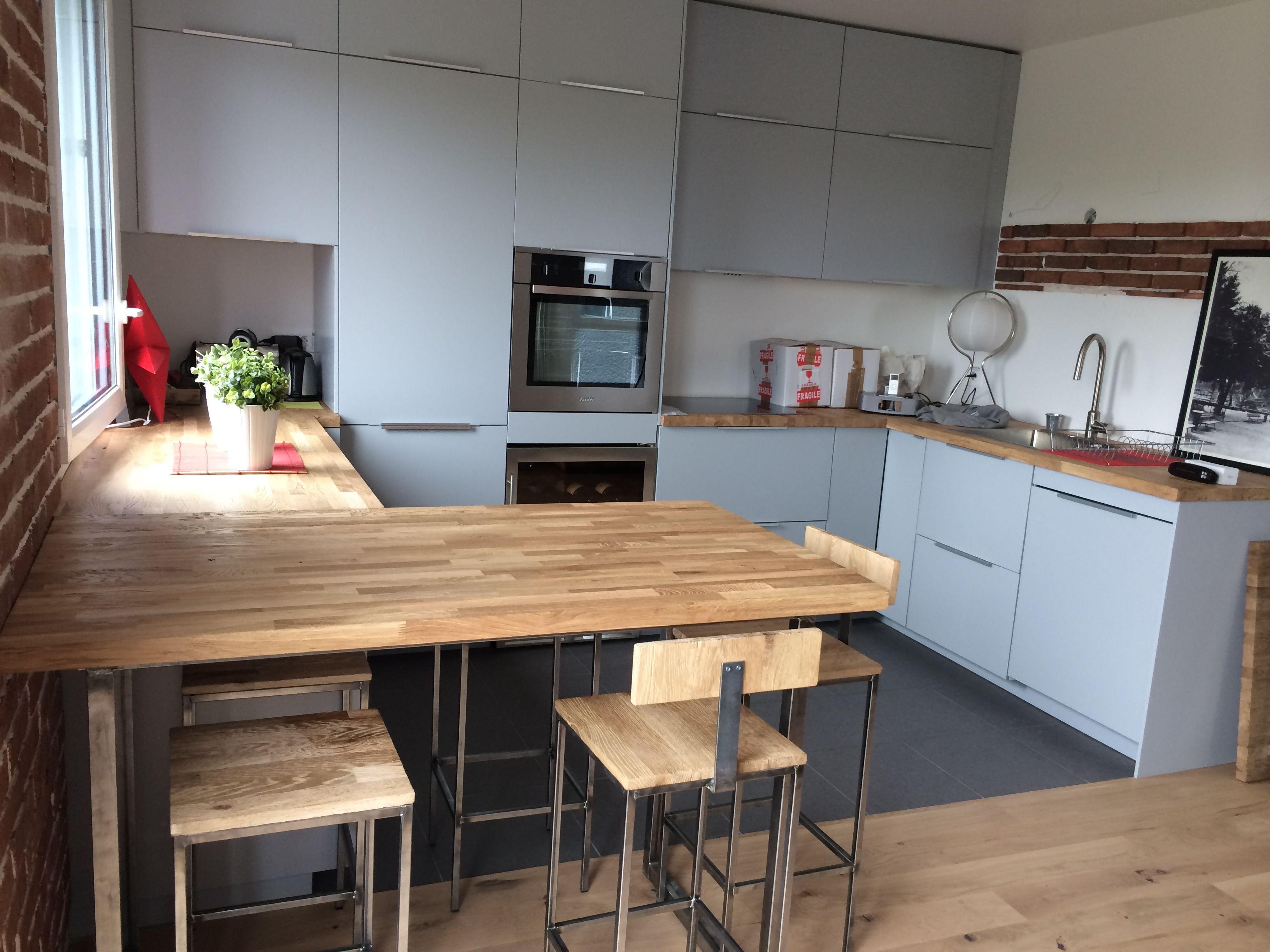Cuisine table bois brut et acier brut fait par l 39 atelier - Table cuisine bois brut ...