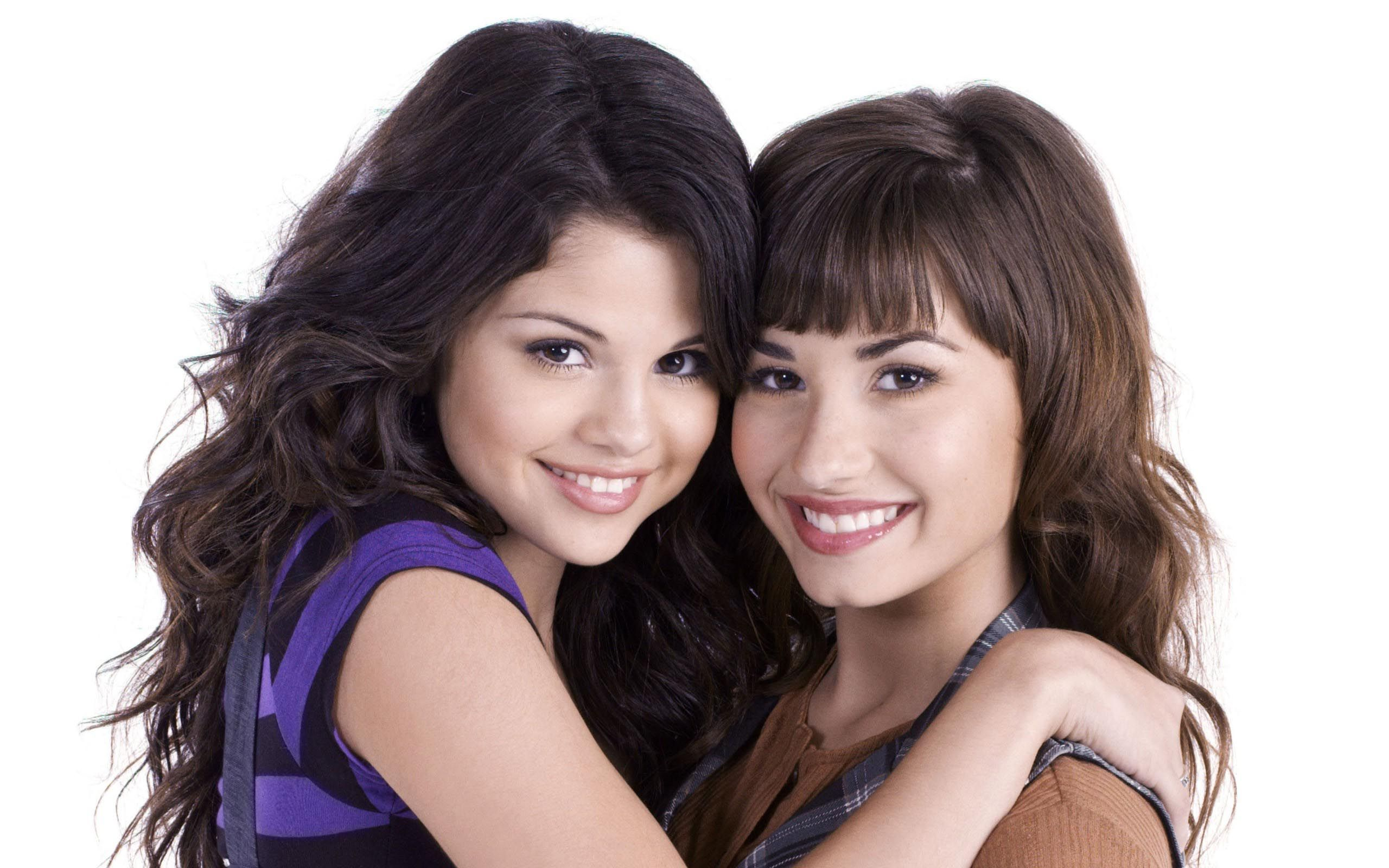 Demi Lovato With Selena Gomez Free Hd Wallpaper Nice Hd Wallpapers Demi Lovato Selena Gomez Lovato