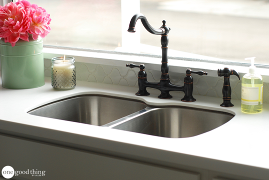 How To Unclog A Sink Using Just 2 Natural Ingredients