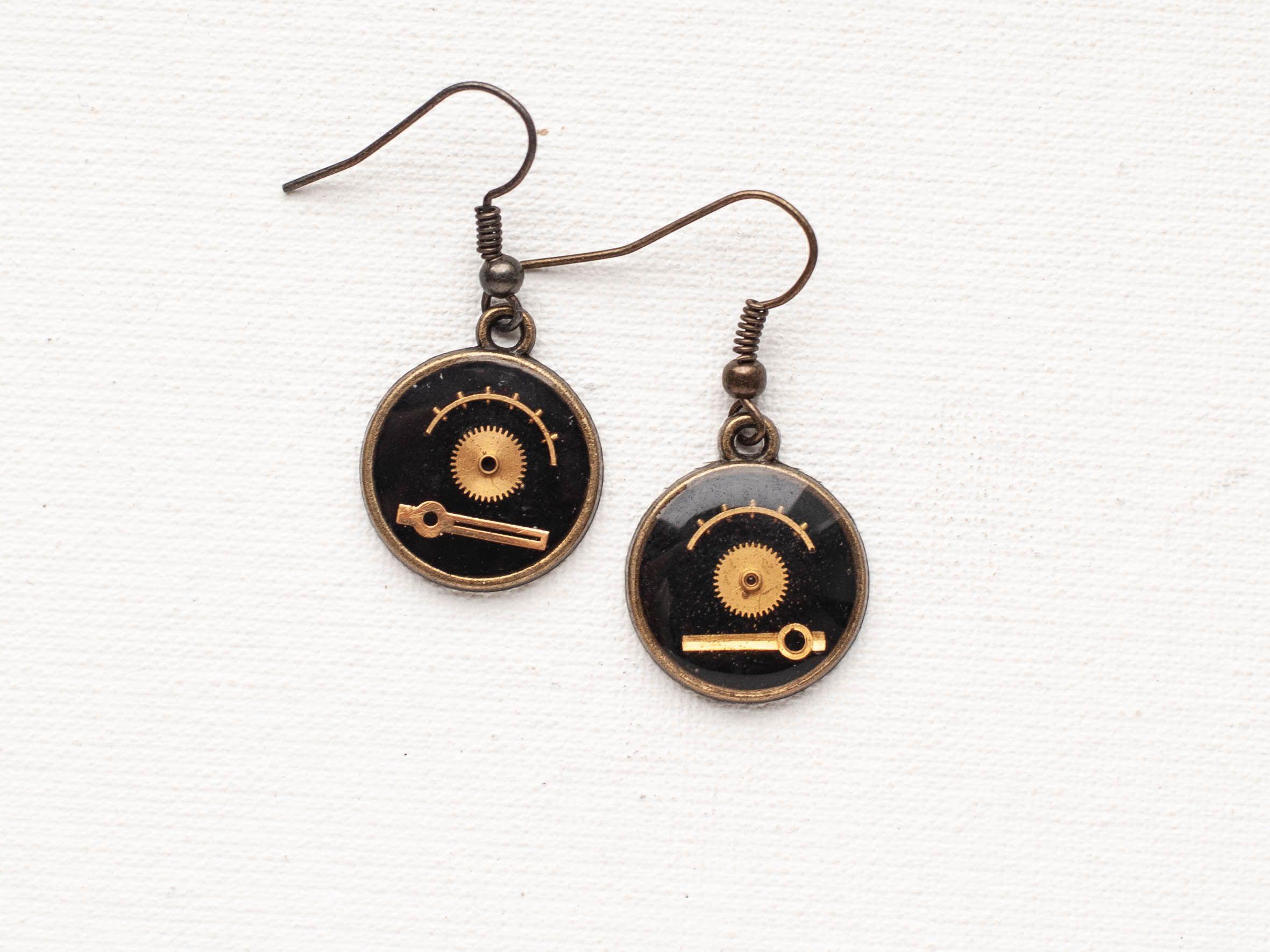 Cute epoxy resin earrings made by Boomyland  Steampunk