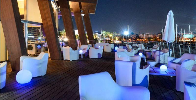 Iluminaci n para terraza de verano bar cafeter a iluminacion bar restaurantes pinterest - Iluminacion terrazas exteriores ...
