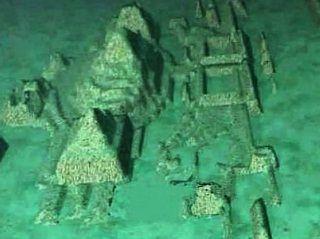 2012 0ct 30 - Descoberta  ruínas de uma misteriosa cidade submersa no Triângulo das Bermudas. Uma pesquisa conduzida pelo canadense Paul Weinzweig e Pauline Zalitzki, encontrou vestígios do que pode ser uma cidade submersa para a costa leste norte de Cuba, no Triângulo das Bermudas, a área também apelidado triângulo do diabo por causa de desaparecimentos inexplicáveis de aviões e barcos na região