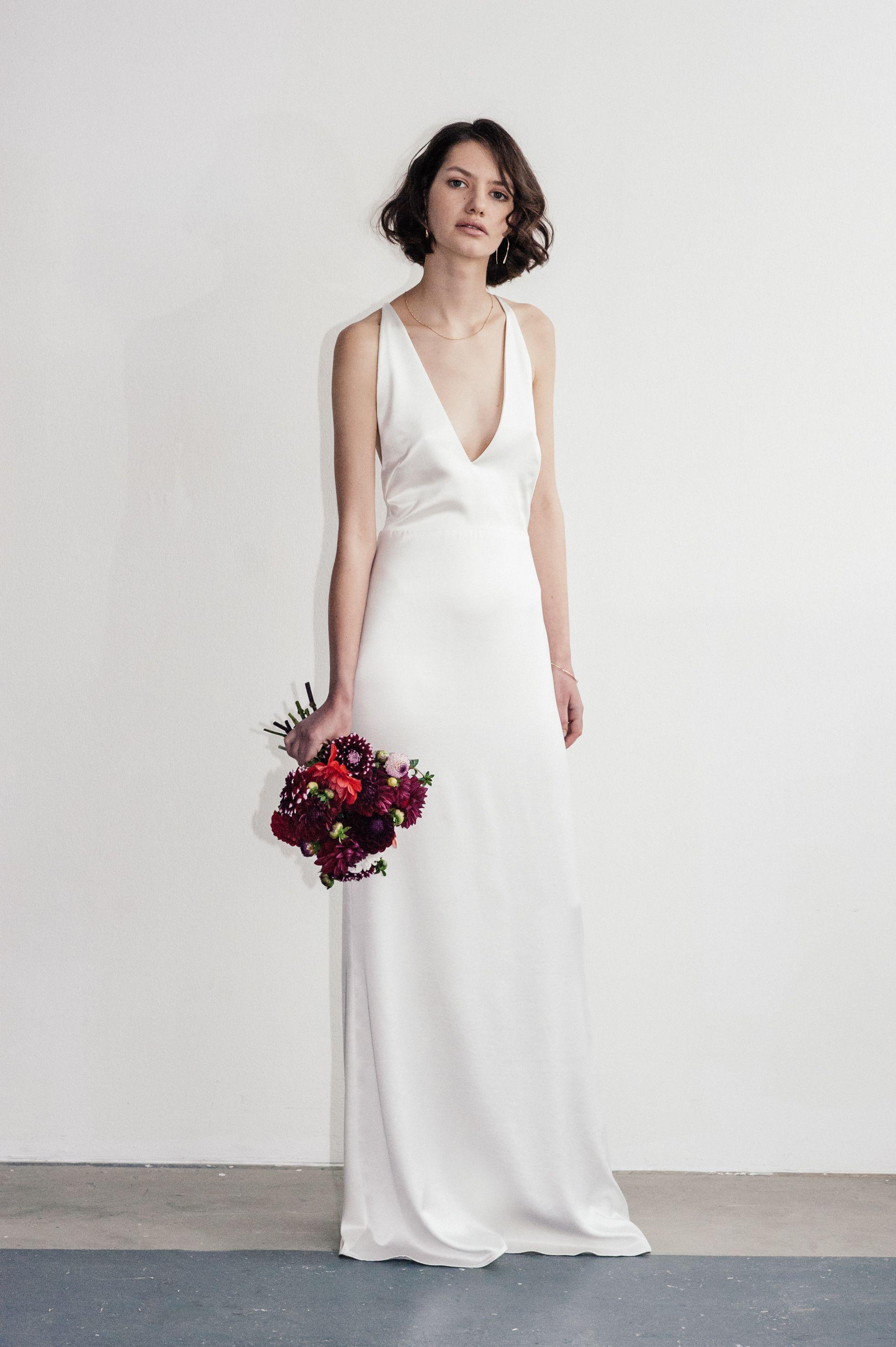 Lilly Ingenhoven Bridal - Dieses bodenlange, elegante Brautkleid ...