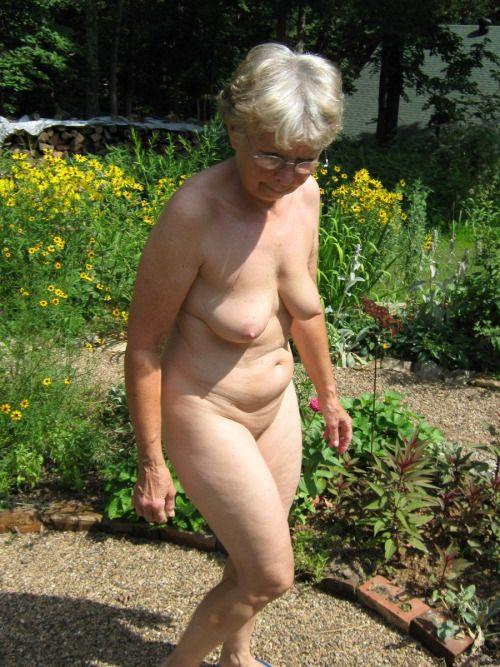 girl fucked in woods