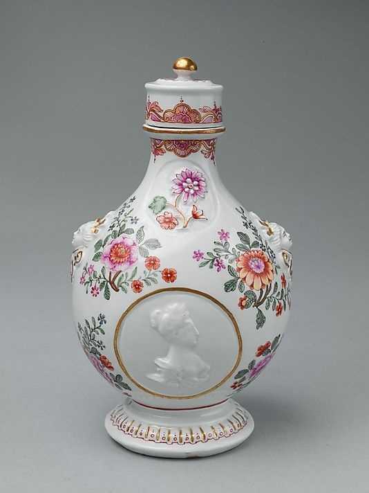 1725-1730 Austrian Porcelain pilgrim bottle at the Metropolitan Museum of Art, New York