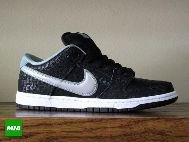 Nike Sb Dunk Low X Spot Black Metallic Platinum Cannon Nike Nike Sb Dunks Nike Sb