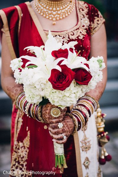 Beautiful red and white bridal bouquet. http://www.maharaniweddings.com/gallery/photo/88761