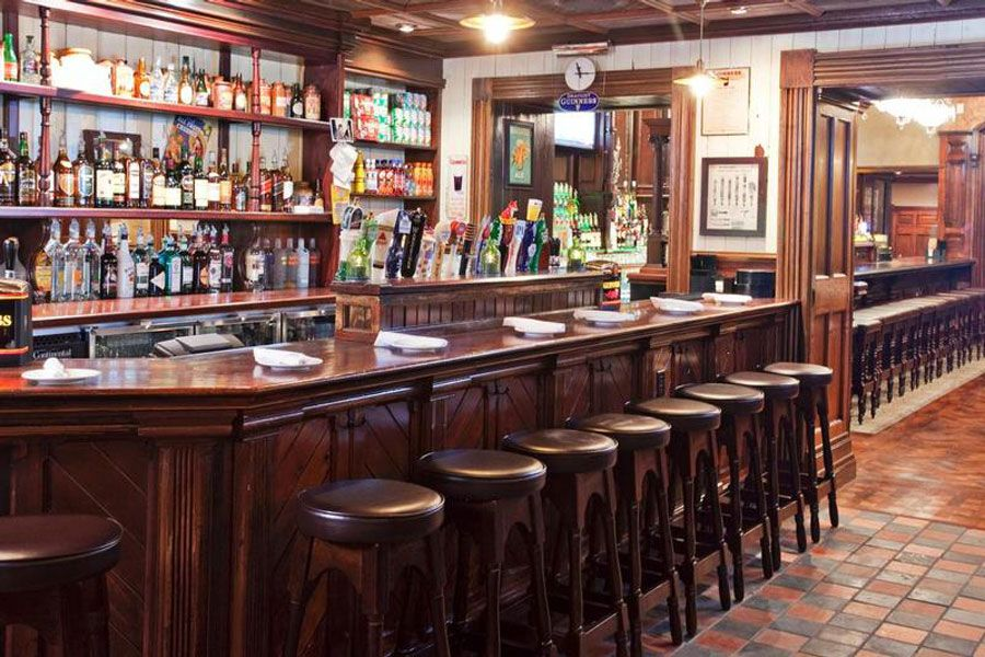 Classic Restaurant Interior Design of Ri Ra Irish Pub, Las Vegas Whiskey Bar