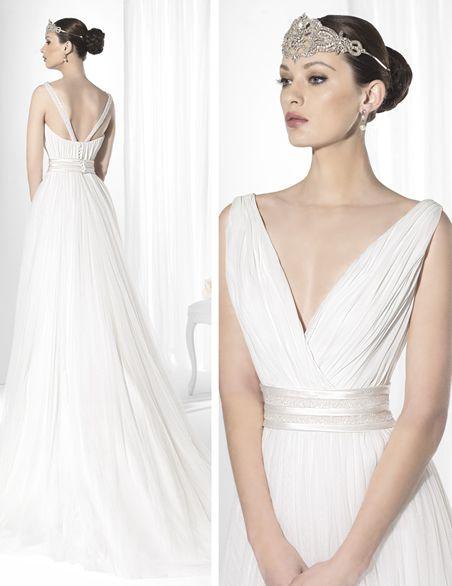 traje de novia de inspiración griega en gasa de seda natural