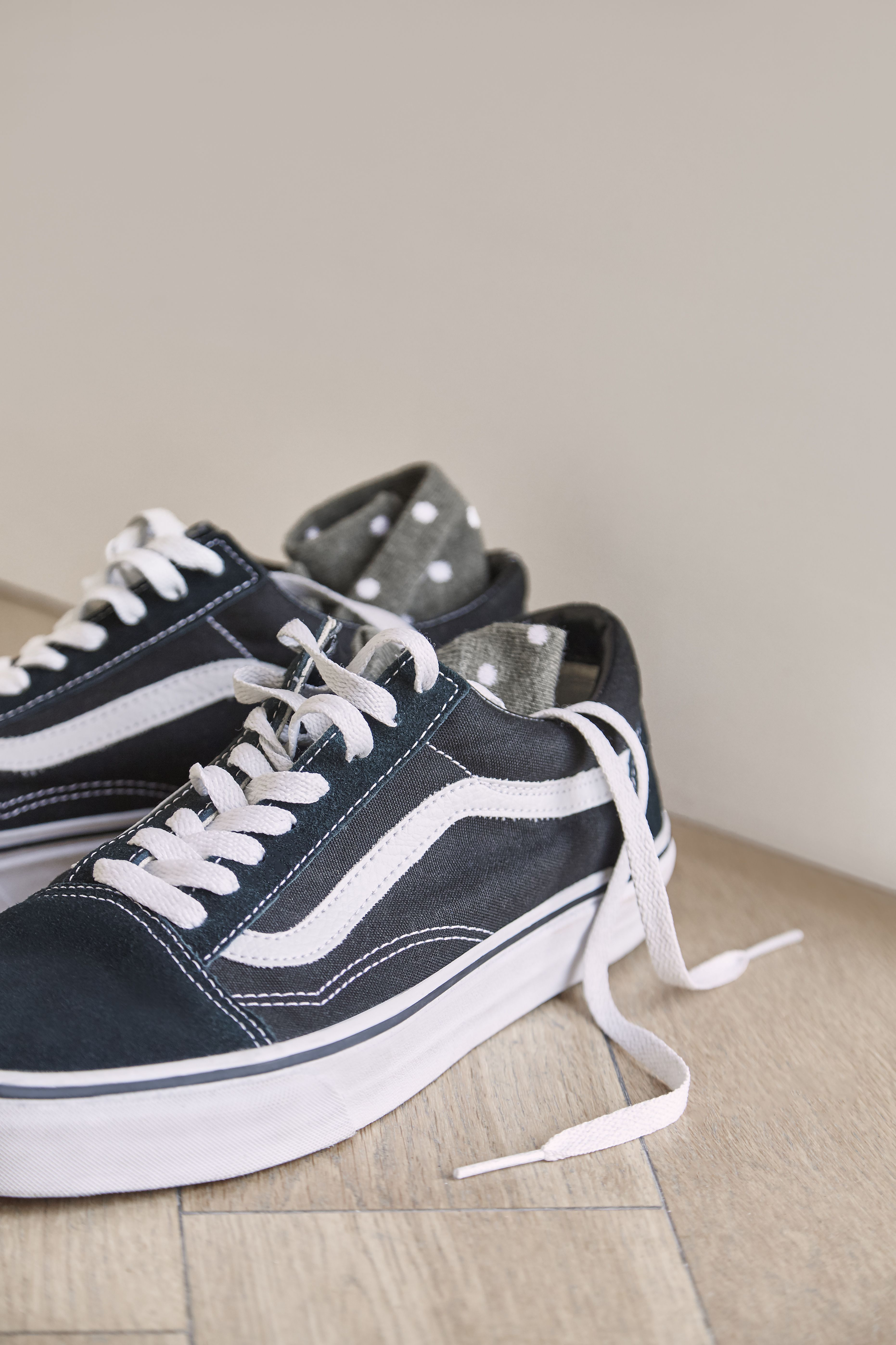 Shoes Outlet - Vans Old Skool Black Womens Suede Canvas Trainers