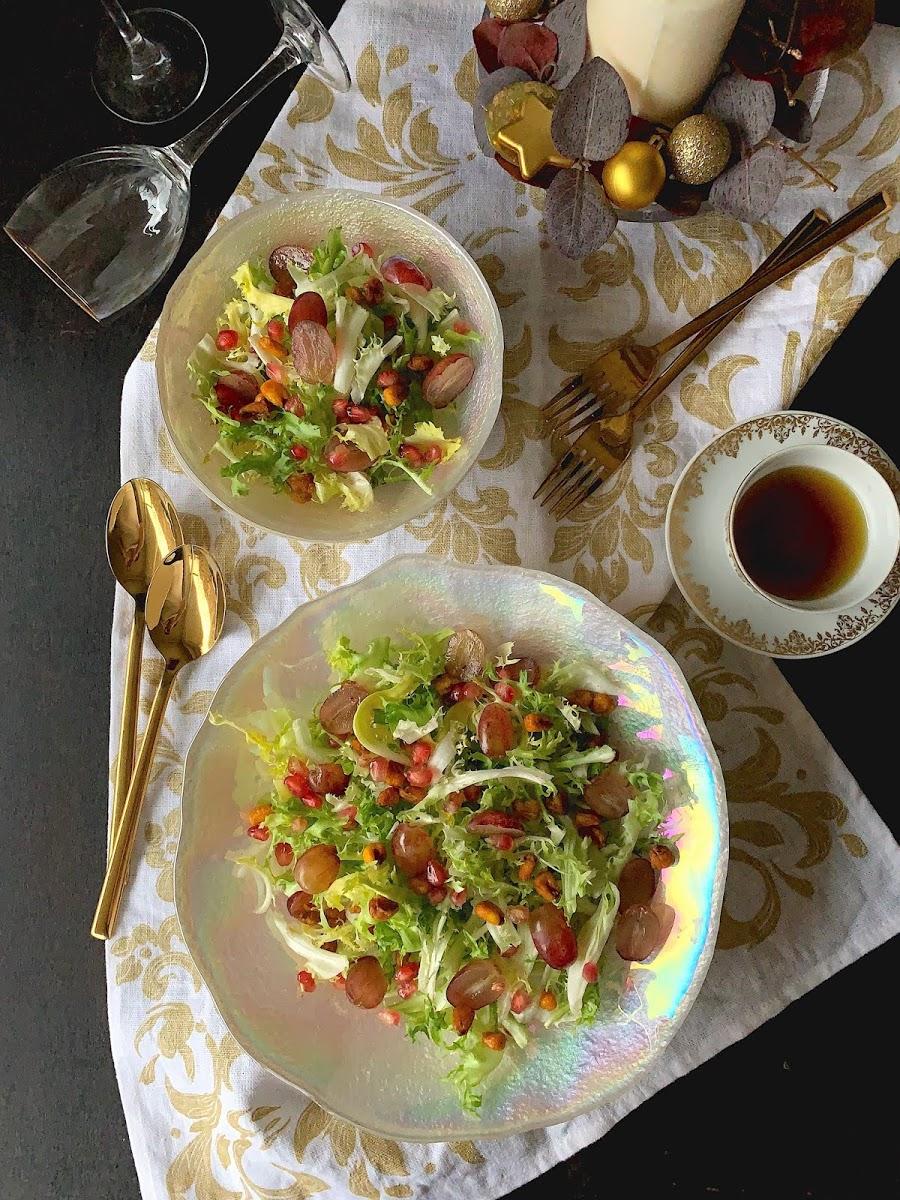 Cocinando con Neus: Ensalada de escarola con perlas de granada y crujiente de ma…