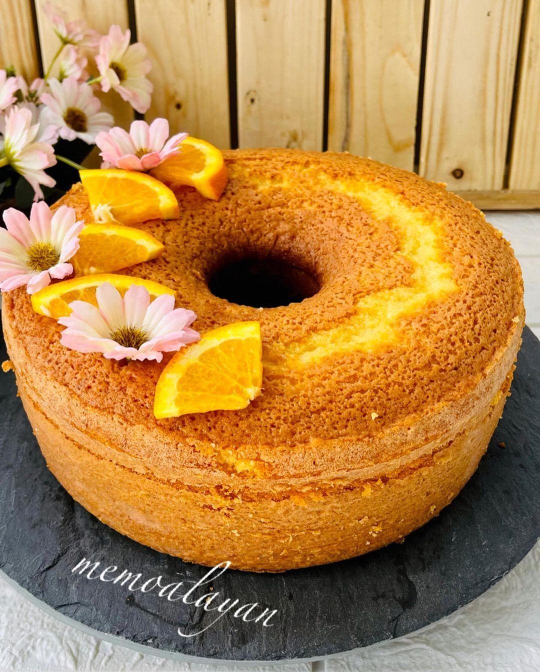 Memo Alayan On Instagram وصفة اليوم كيك البرتقال من اطيب وصفات صراحة كثير طيب وكثير هش يلا منشن لرفقاتكن لينضمو النا ع صفحة ل In 2021 Dessert Recipes Desserts Food