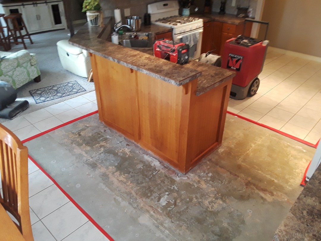 The Dishwasher Decided To Spring A Leak So I Removed A Vinyl Plank Floor That Was Over A Ceramic Tile Floor Ceramic Floor Tiles Vinyl Plank Flooring Tile Edge