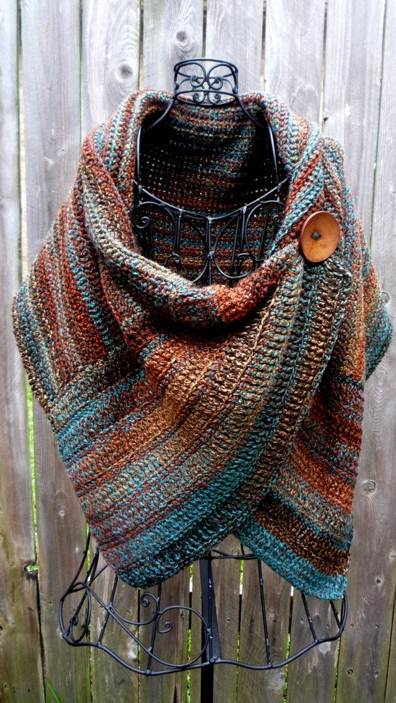 Crocheted wrap in colors of Arizona with brown button | Wickeln ...