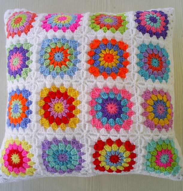 hippie happy granny cushion cover | Tejido, Manta y Patrón de ganchillo