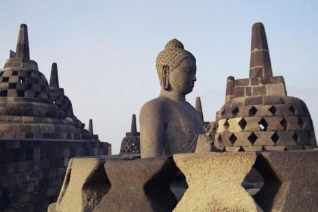 Como una verdadera reliquia arquitectónica se erige el templo de Borobudur en la provincia de Java Central