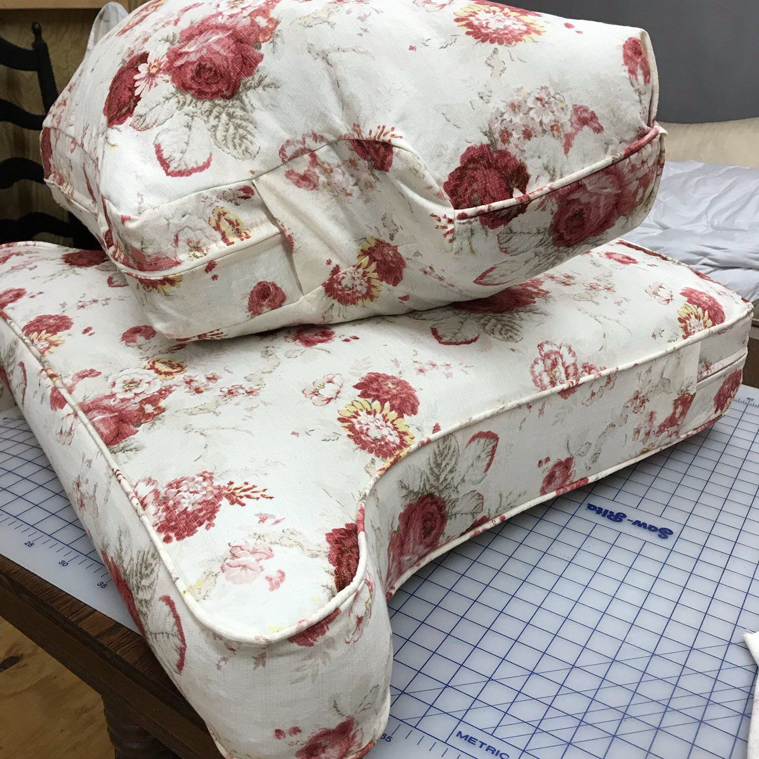 Separate chair cushions with all the detailszip closures