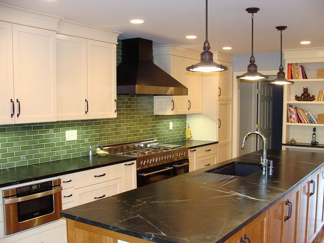 Kitchen With Poorly Placed Bulkhead Kitchen Chimney Kitchen Hood Design Kitchen Vent