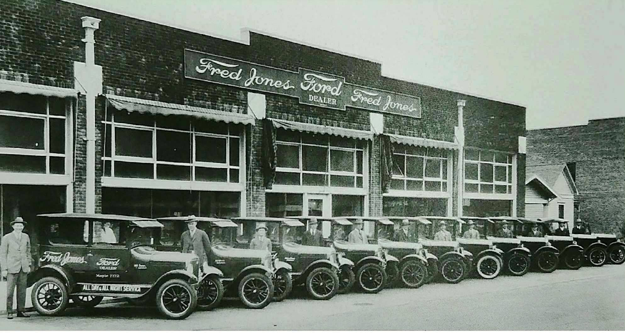 Original Fred Jones Ford Dealership In Oklahoma City Ford Dealership Ford Expedition