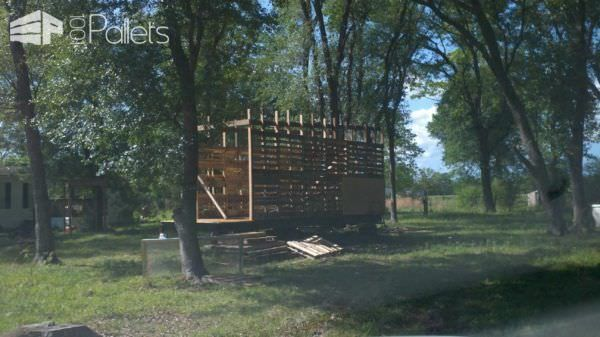 Photo of Tiny house on wheels: pallet stand walls • 1001 pallets # house #Pale …