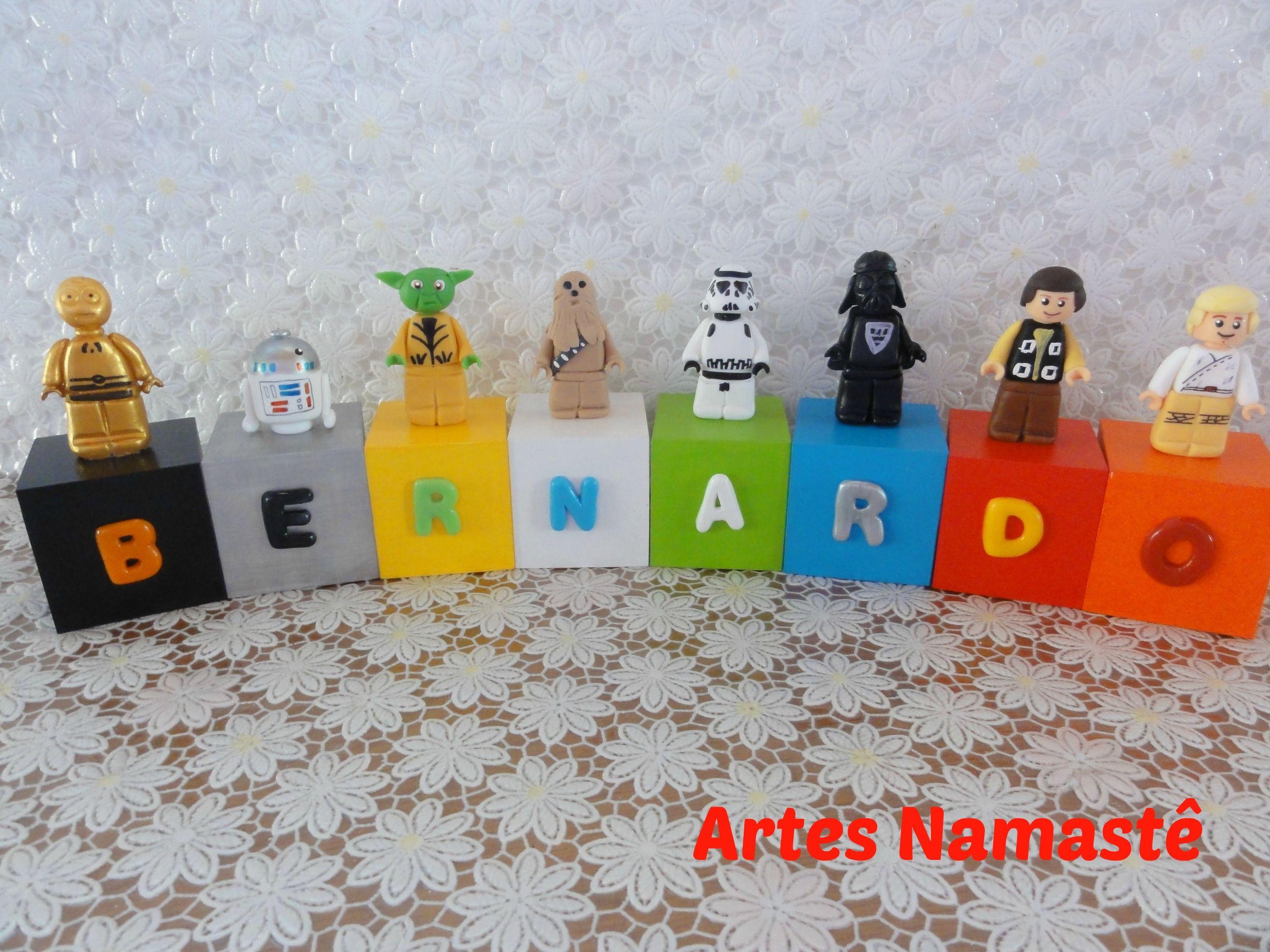 Cubos em madeira, personalizados com nome e bonecos Lego Star Wars em biscuit
