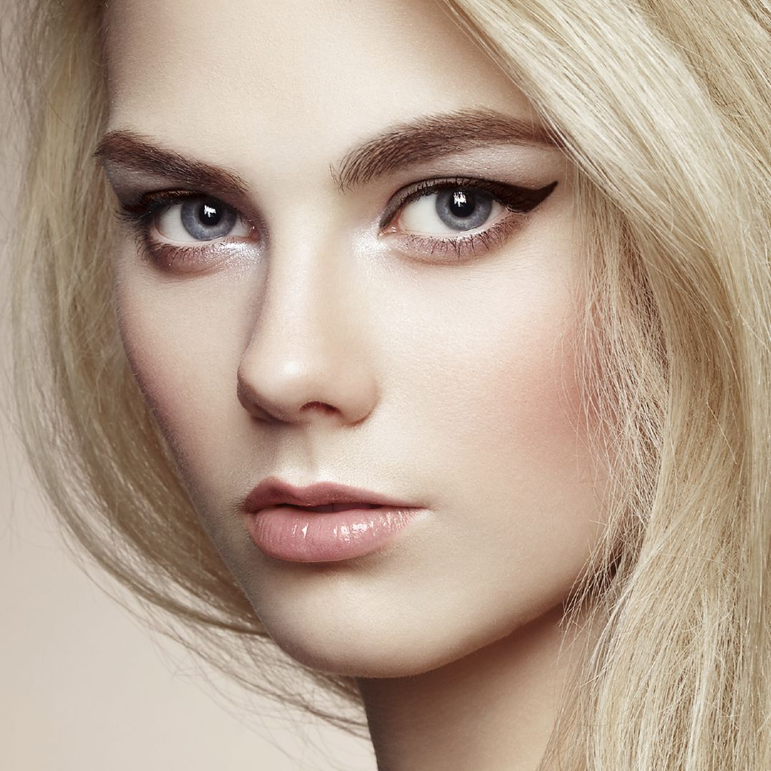 Super Not Sure If A Winged Eyeliner Look Is For You Download Our Ipad Hairstyles For Women Draintrainus