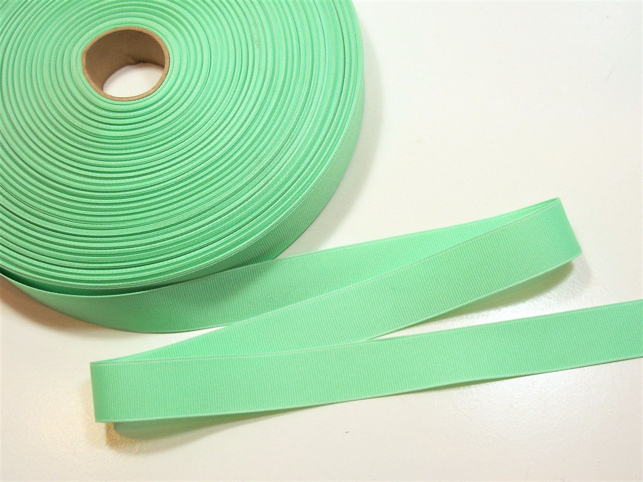 Green Ribbon Mint Green Grosgrain Ribbon 7 8 Inch Wide X 10 Yards In 2020 Green Ribbon Grosgrain Ribbon Grosgrain