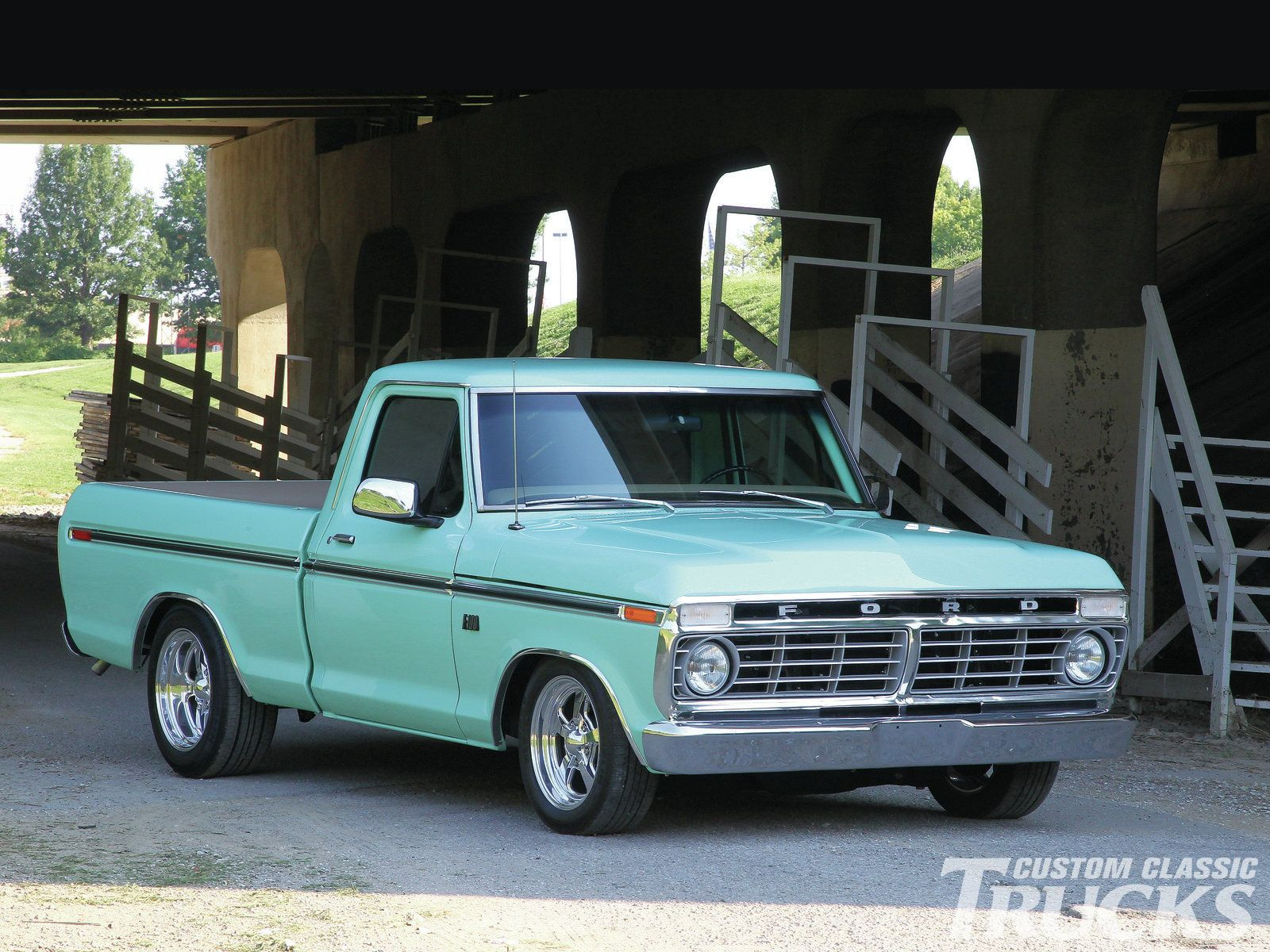 1301cct 01 o 1976 ford f 100 stock front end photo 1. Black Bedroom Furniture Sets. Home Design Ideas