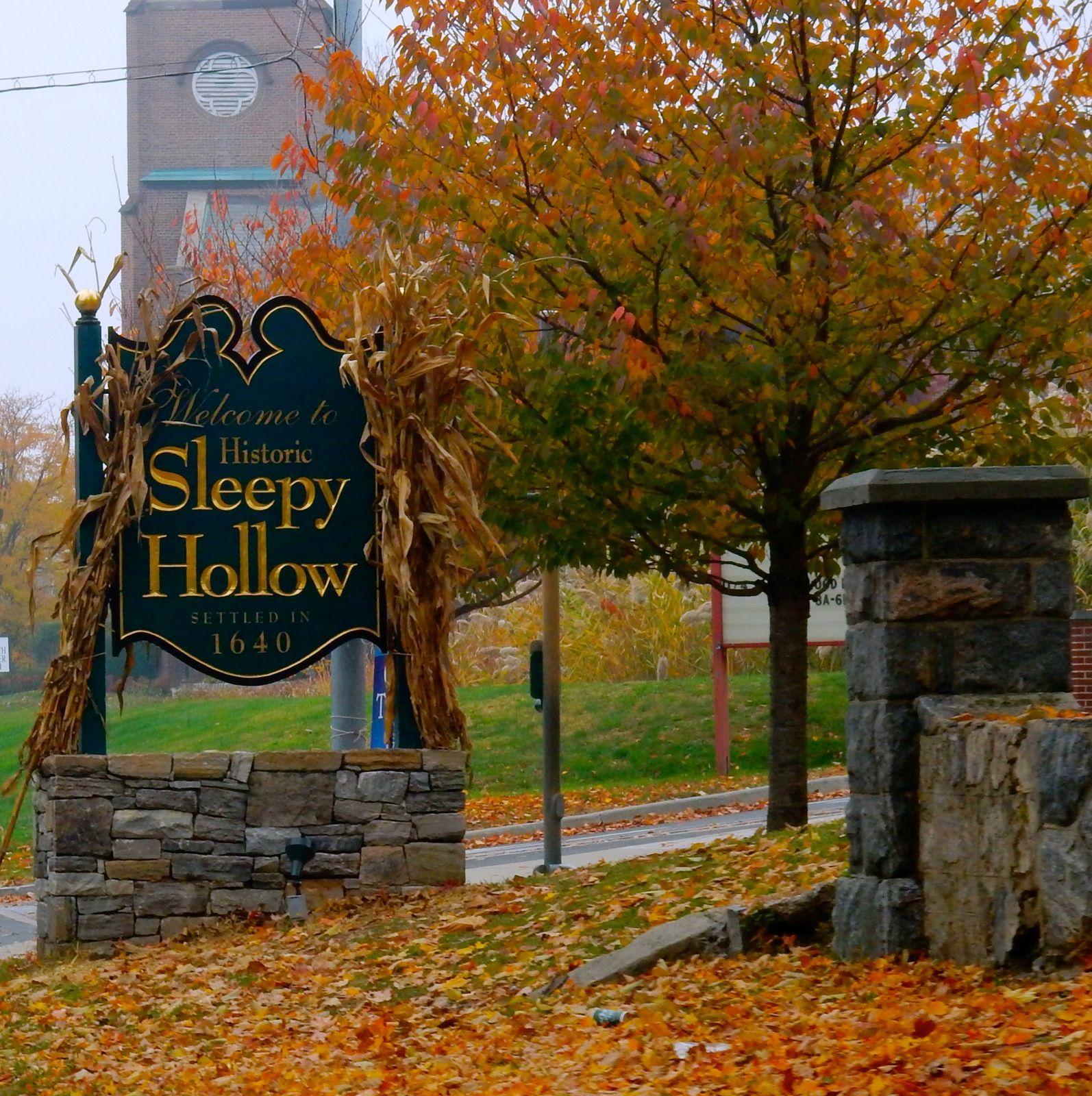 Sleepy Hollow Halloween: Sleepy Hollow Town Sign