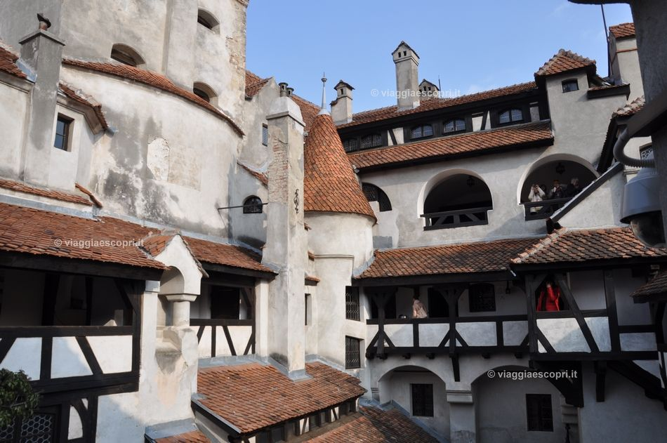 Castello di Bran, fantasia di tetti e torri