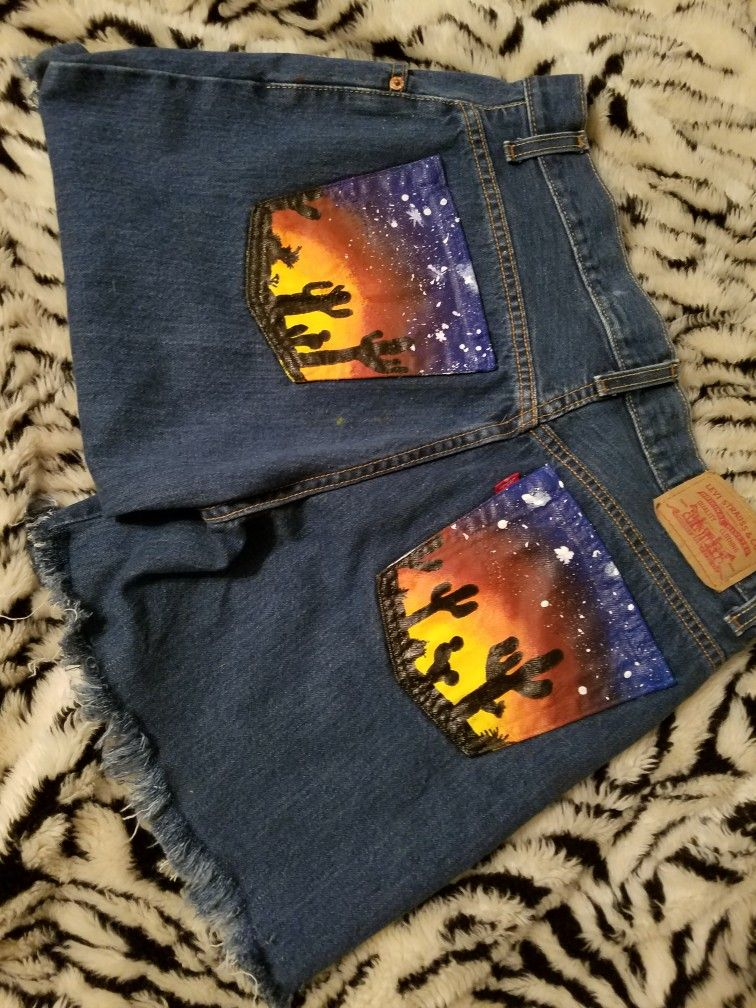 9b79bf4ea6bd Vintage levis turned into cut off acrylic pocket painted shorts. For the  summer and available on etsy!! #jeanart #paintedpockets #customdenim  #acrylicpaint ...