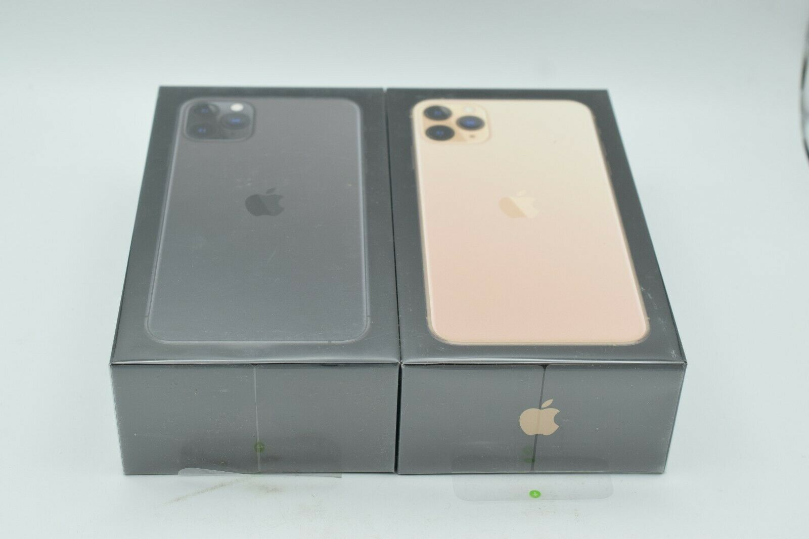 Apple iphone 11 pro max 64gb cricket wireless a2161 1 year