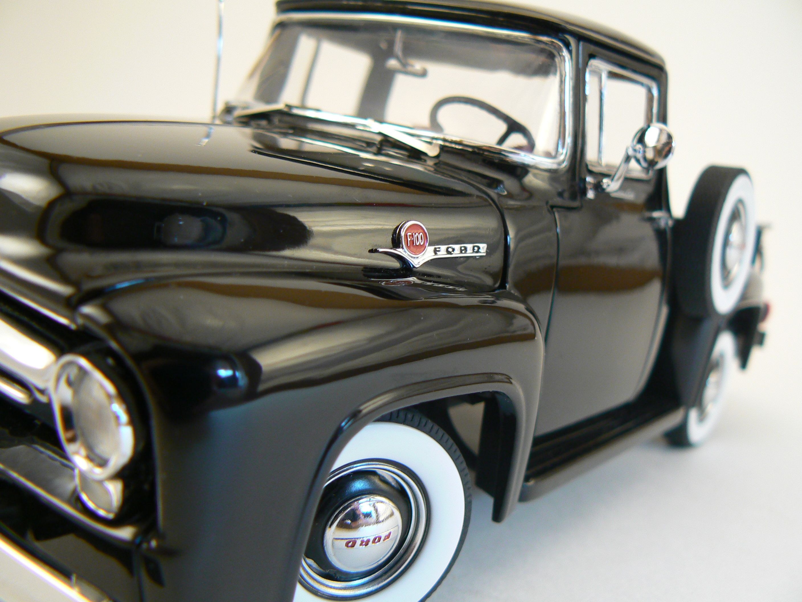 Ford F100 - Diecast 1:24 scale by Danbury Mint - Kentucky Trading Co ...