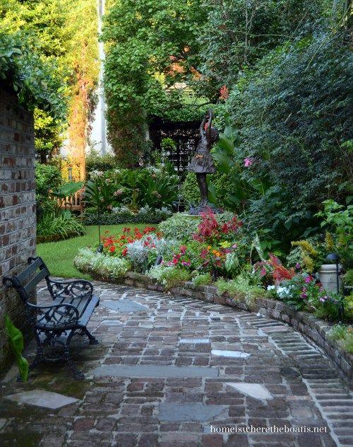 Courtyard garden charleston sc peak into our secret for Courtyard landscaping pinterest