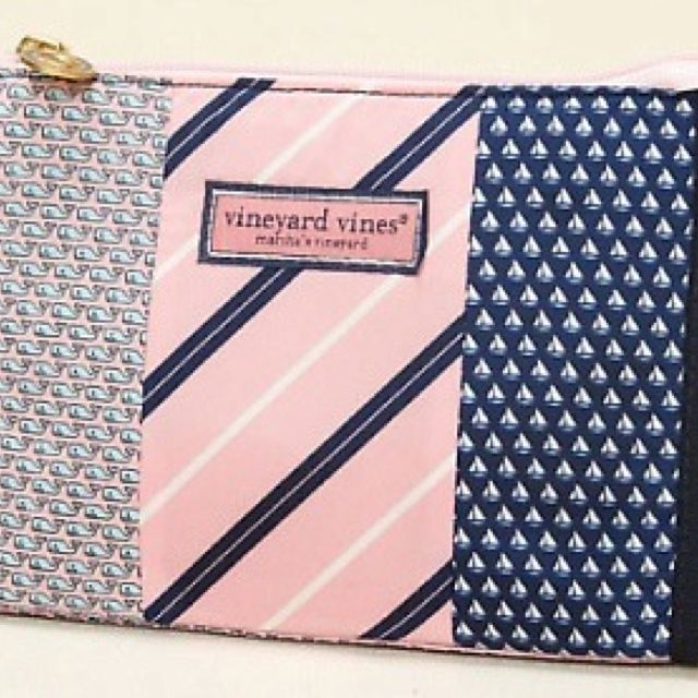 Vinyard Vines Makeup Bag