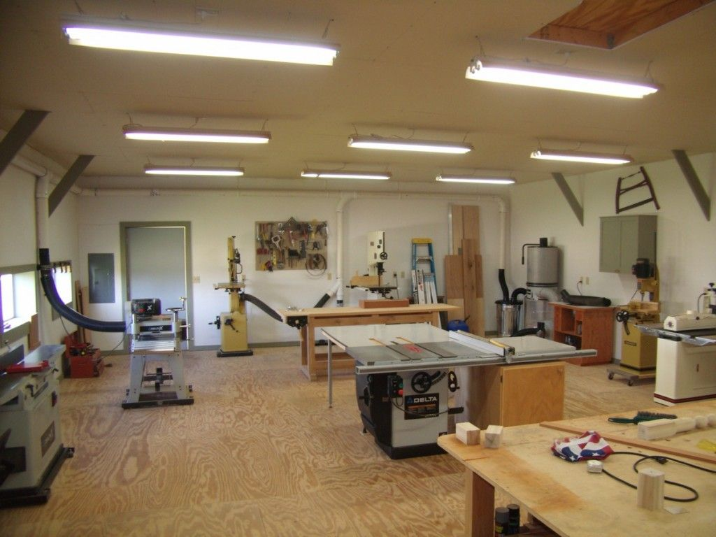 Small woodworking shop layout helps you to set up your Workshop garage plans