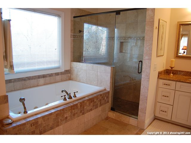 Small Bathroom With Separate Shower And Tub Recherche Google Bathrooms Pinterest Small