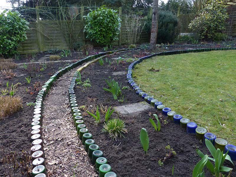 Gartenplanung Hamburg beetkanten aus weinflaschen halten ewig gartenplanung
