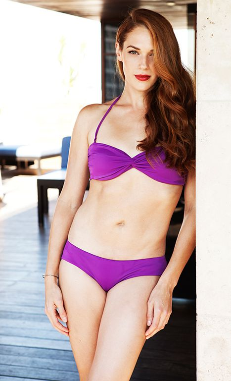 Wow Mentalist Star Amanda Righetti Reveals Post Baby Bikini Body